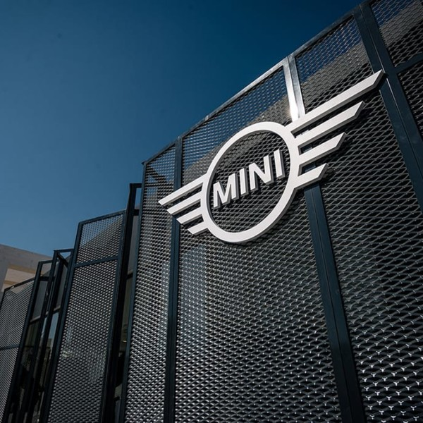 MINI AT PITTI UOMO 92